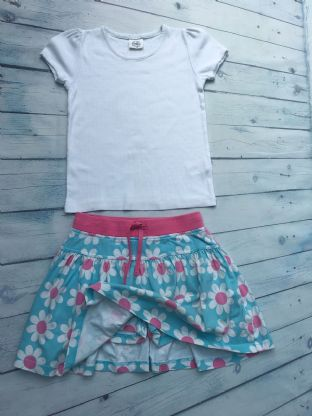 Mini Boden skort and tshirt playwear condition age 9-10